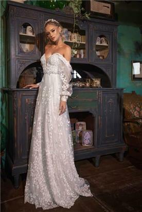 שמלות עם גב מחשוף