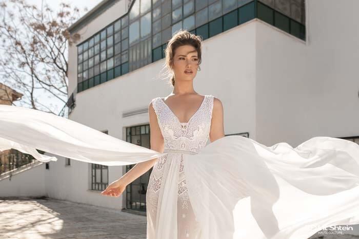 שמלות עם מחוך