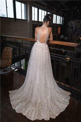 שמלות עם שובל