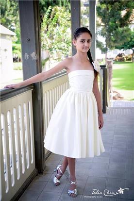 שמלה לשושבנית בלבן
