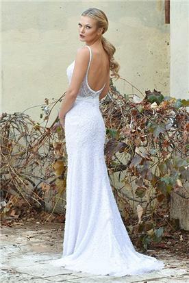 שמלת כלה: קולקציית 2018, שמלה עם כתפיות דקות, שמלה בסגנון רומנטי, שמלה עם תחרה, שמלה עם שובל, שמלה עם גב חשוף, שמלה בצבע לבן - פאולין סלון כלות