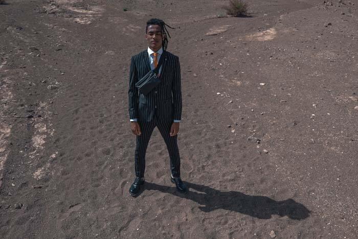 חליפת חתן: קולקציית 2019, חליפת שלושה חלקים, חליפה בגזרה ישרה, חליפת פסים, חליפה בצבע שחור - באמוס סקוור - Bamoss square