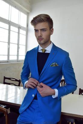 חליפת חתן כחול רויאל עם דש צבעוני