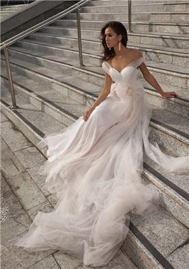 שמלת כלה עם טול נשפך