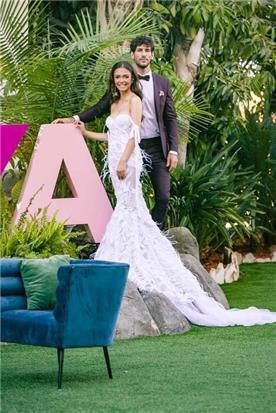 שמלת כלה: שמלה בסגנון רומנטי, שמלה עם תחרה, שמלה עם מחשוף, שמלה עם שובל, שמלה עם מחוך, שמלה בצבע לבן - דימיטריוס דליה - שמלות כלה