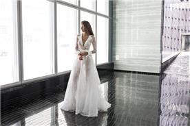 שמלת כלה: שמלת הוט קוטור, קולקציית 2018, שמלה עם תחרה, שמלת אורגנזה, שמלה בצבע לבן, שמלת מקסי - דימיטריוס דליה - שמלות כלה
