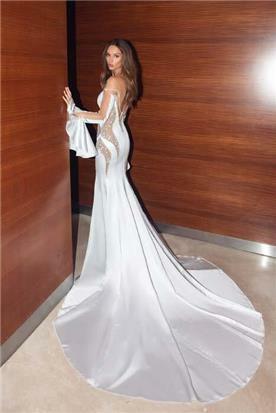 שמלה כלה עם שרוול ארוך נפוח