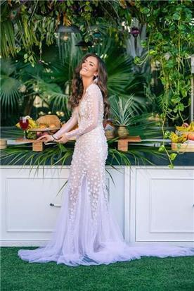 שמלת כלה: קולקציית 2019, שמלה בסגנון רומנטי, שמלה עם תחרה, שמלה עם שובל, שמלה עם שרוולים, שמלה בצבע לבן - דימיטריוס דליה - שמלות כלה