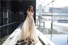 שמלה נועזת שקופה
