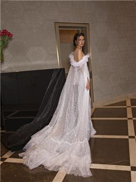 שמלת כלה עם גלימה מטול