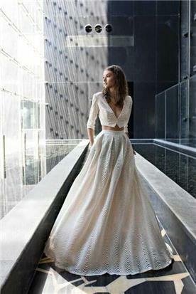 שמלת כלה צנועה נפוחה