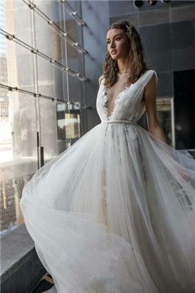 שמלות עם אבנים