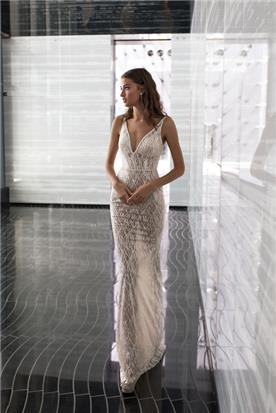 שמלה נשפכת תחרה