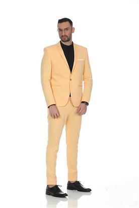 חליפת חתן: קולקציית 2019, חליפה בצבע חרדל, חליפת שני חלקים, חליפה בגזרה ישרה, חליפה בדוגמה חלקה - N.B.O  חליפות חתן