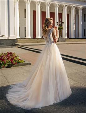 שמלת כלה: שמלה עם כתפיות עבות, שמלה בסגנון רומנטי, שמלה עם תחרה, שמלה עם שובל, שמלה עם גב חשוף, שמלה בצבע לבן - ROZAN רוזאן