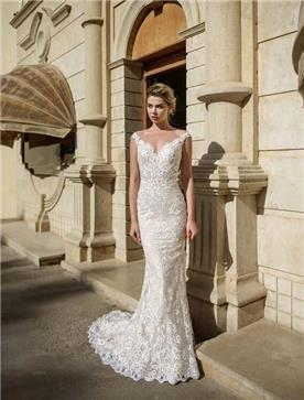 שמלת כלה: שמלה עם כתפיות עבות, שמלה בסגנון רומנטי, שמלה עם תחרה, שמלה עם מחשוף, שמלה עם שובל, שמלה בצבע לבן - ROZAN רוזאן