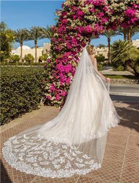 שמלת כלה: שמלה בסגנון רומנטי, שמלה עם תחרה, שמלה עם שובל, שמלה בצבע לבן - ROZAN רוזאן