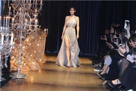 שמלות עם כתפיות עבות