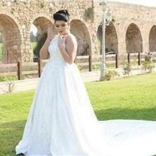 שמלות כלה במידות גדולות - Noor Haj - Bridal Designer