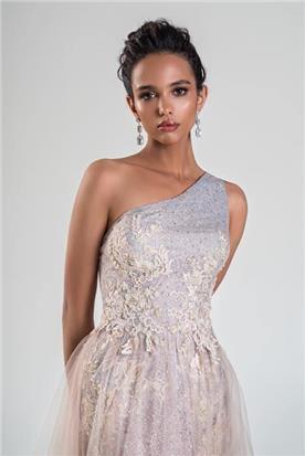 שמלת כלה: קולקציית 2020, שמלה בסגנון רומנטי, שמלה עם תחרה, שמלה בצבע ורוד - bridal store- אינה שמלות כלה