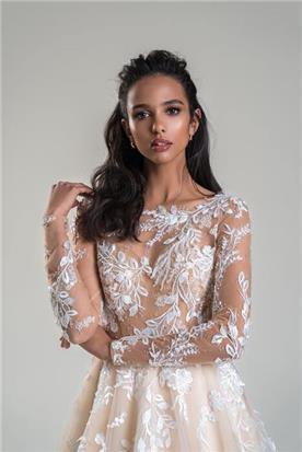 שמלות ערב עם חגורת מותן