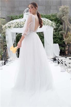 שמלה עם חלק תחתון קצר
