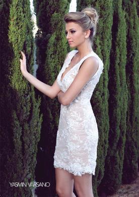 שמלת כלה מיני תחרה בגוון קרם