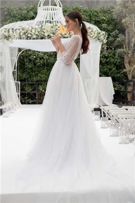 שמלת כלה עם צווארון ולר