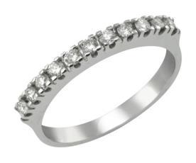 טבעת רומנטית משובצת יהלומים