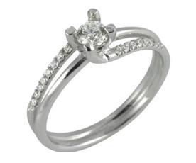 טבעת קלאסית משולבת יהלומים