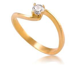 טבעת סוליטייר בעיצוב ייחודי