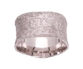 טבעת רחבה מעוטרת תחרה
