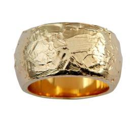 טבעת מעוגלת עם קישוטים
