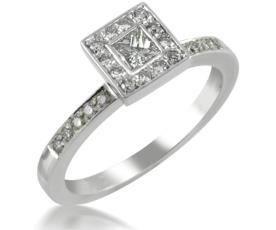 טבעת אירוסין מרובעת משובצת