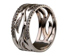 טבעת נישואין רחבה מעוצבת