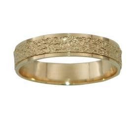 טבעת נישואין מחוספסת לכלה