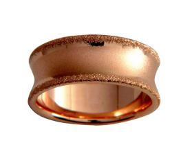 טבעת נישואין עם שוליים מנוצנצים