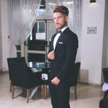 חליפת חתן עם מכנסי סקיני