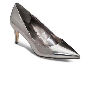 מגוון נעלי כלה