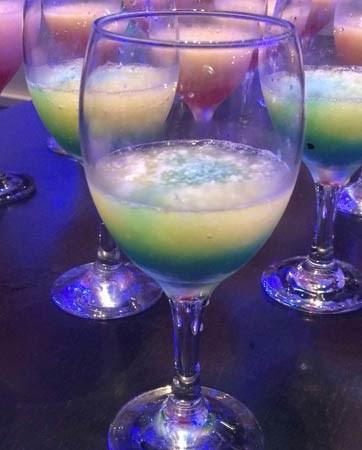 משקאות אלכוהוליים, בר פירות ויאללה בלאגן!