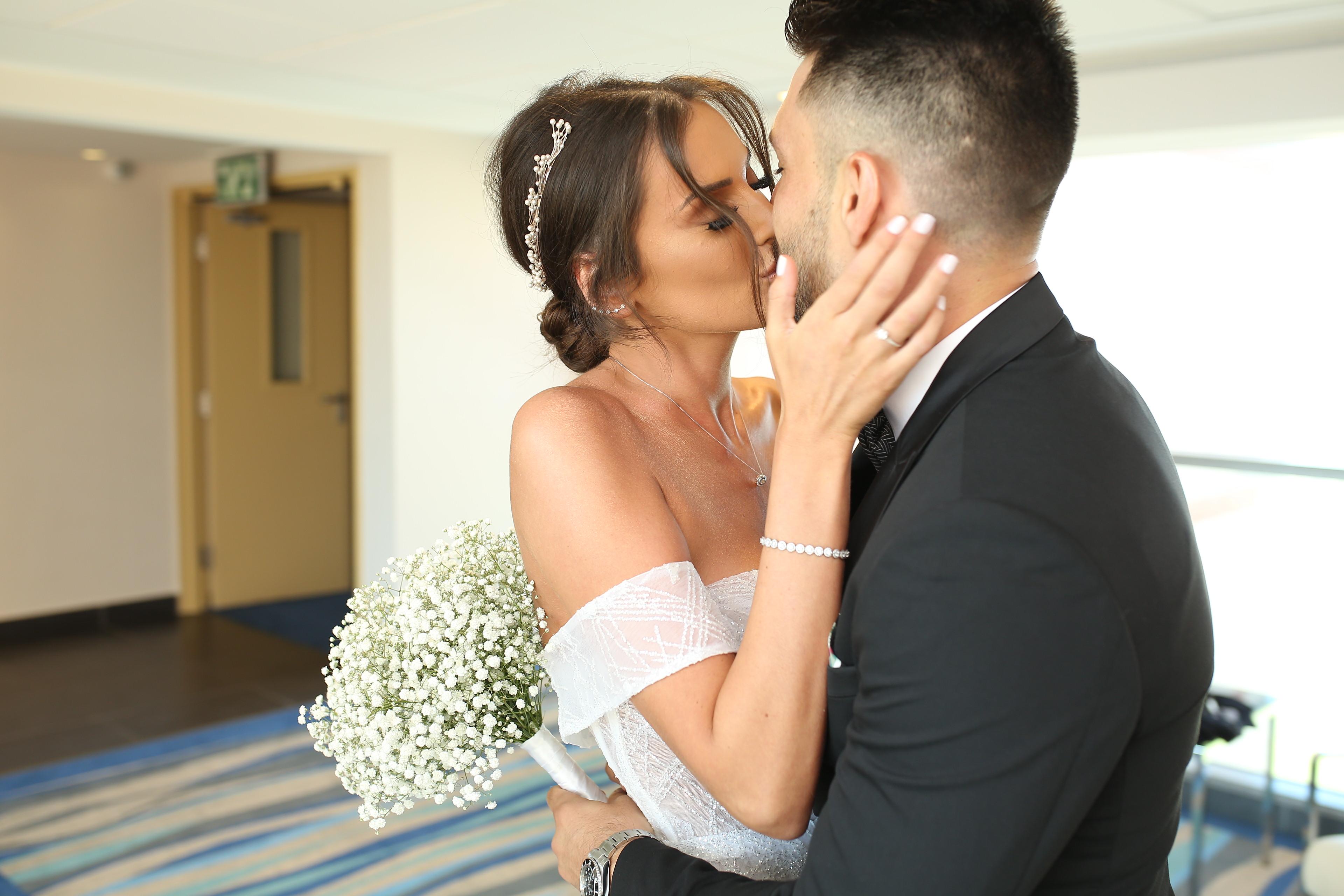 סיפורי חתונה: דניאל וקובי באולם האירועים טרויה