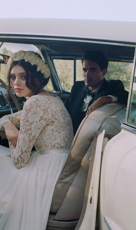 הזוג הטרי ברכב חתן כלה
