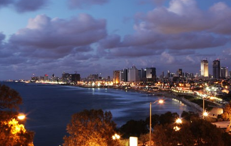נוף לים בלילה