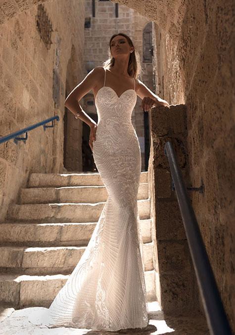 מעצבת שמלות כלה - ג'ולי וינו