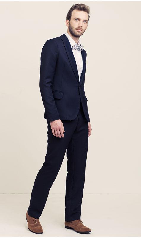 חליפת חתן בגוון כחול נייבי