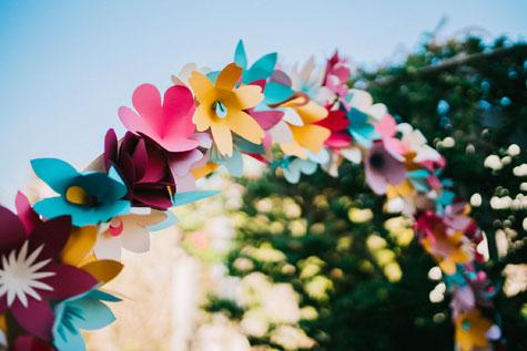 קשת פרחים מנייר