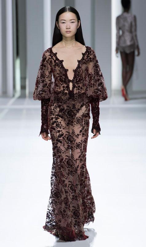 שמלת ערב שקופה בעיטורי פרחים שחורים