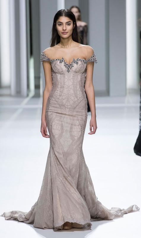 שמלת ערב חשופת כתפיים