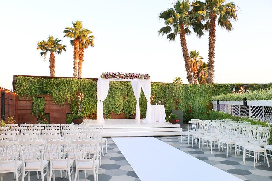 מתחתנים וחוסכים: מבצעי חודש אוגוסט, מסביב לחתונה, 1