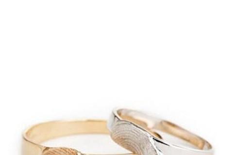 הרי את מקודשת לי: השאלה באיזו טבעת?, תכשיטים ואקססוריז
